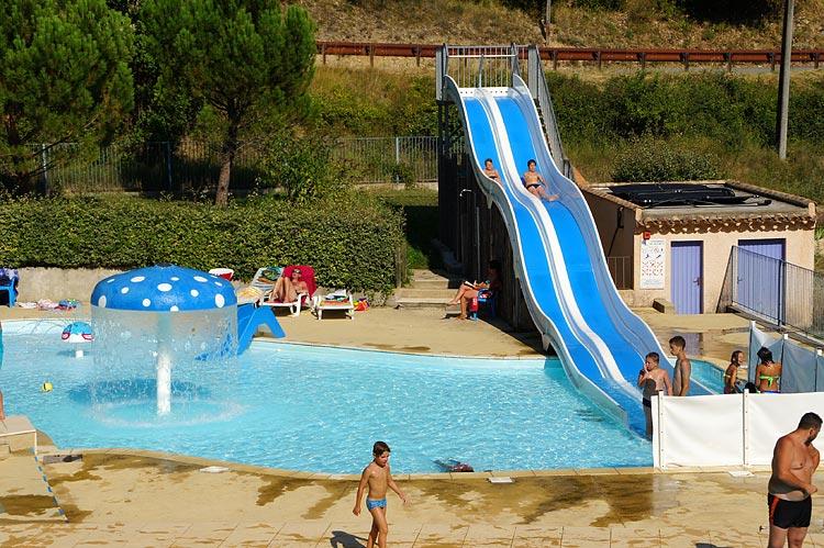 Espace aquatique et loisirs camping le pilat pays de for Camping nyons piscine